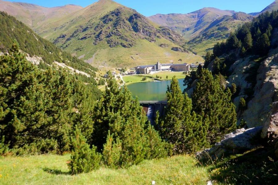 Barranquisme a La Vall de Núria, Queralbs, Ribes de Freser, Ripollès al Pirineu de Girona Catalunya.