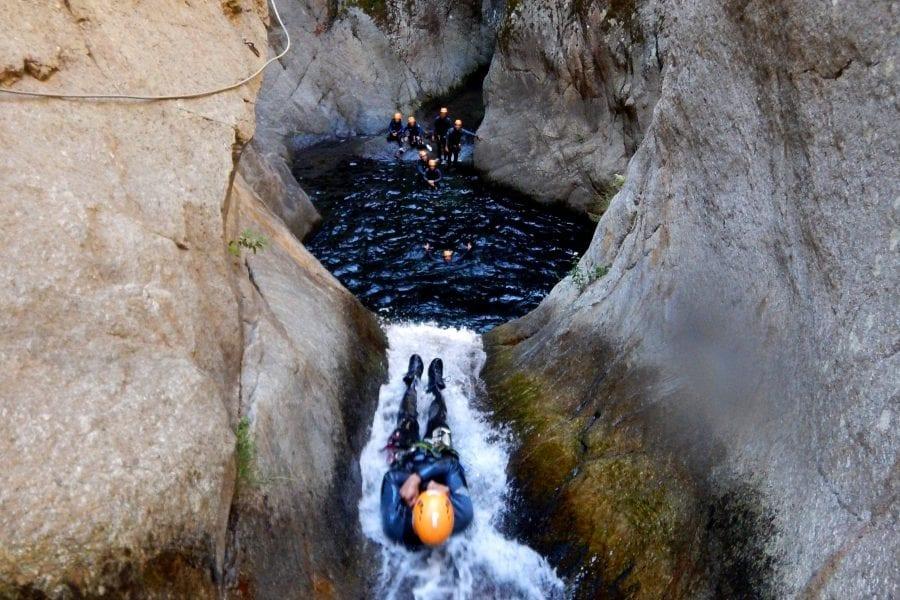 Tobogans i salts al barranc del Llech a prop de Girona